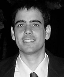 Dr Luiz Fernando Teixeira de terno em preto e branco